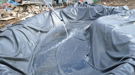 大型の池の簡単施工